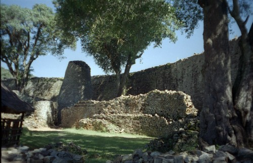 1365144946_great-zimbabwe-2